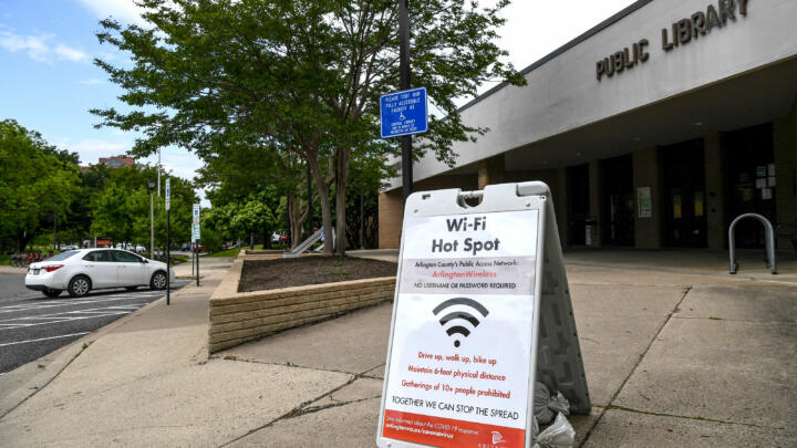 A library in Arlington County, VA advertises their curbside Wi-Fi access while they're closed